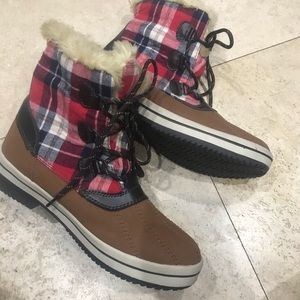 Merona plaid fur winter boots